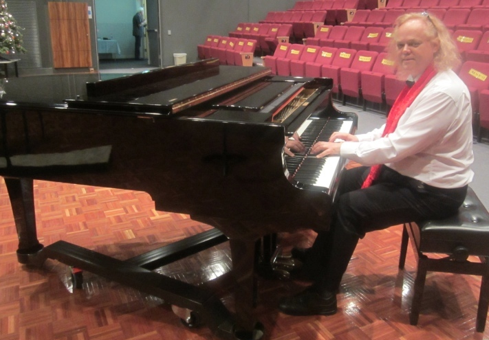Margaret Jones pianist at Hills Choir concert